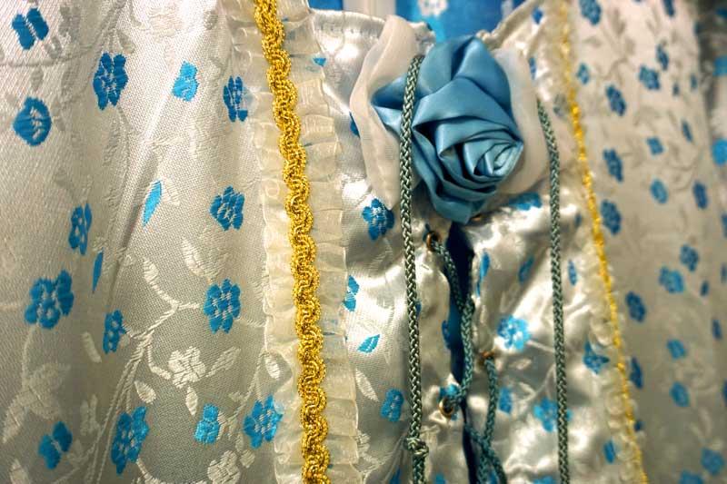 costume marquise détails